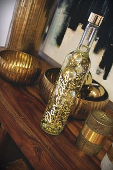 Donatella Vodka 24 Karat Gold - Pure Gold Designer Vodka