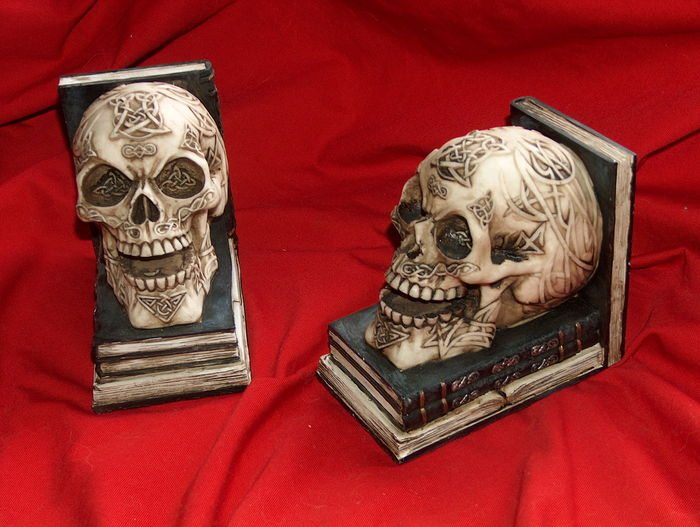 Book objects; set with book ends with skulls - begin 21th  century