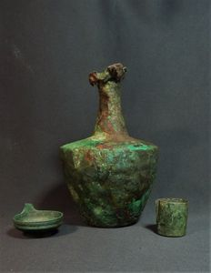 Roman bronze bottle, oil lamp and ointment jar - H 220 / H 43 mm and H 36 mm (3)