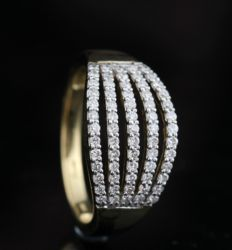 18kt gold diamond ring total approx. 0.48ct of diamonds
