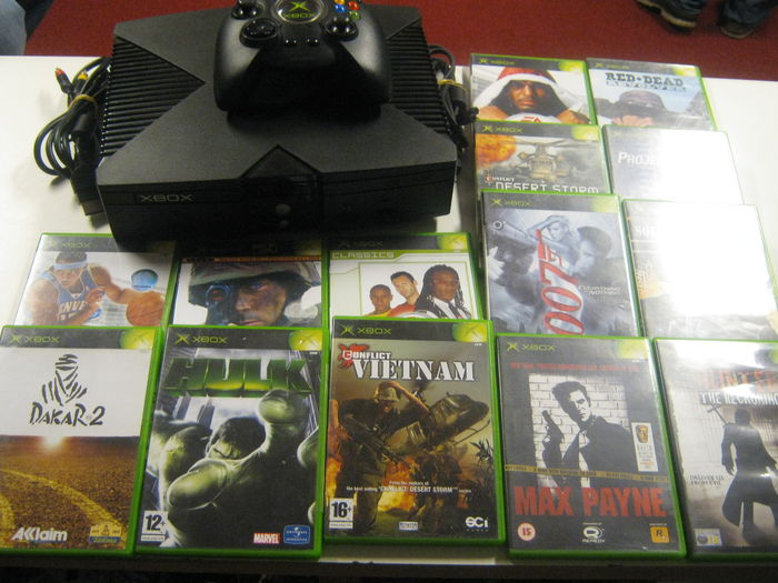 All Original Xbox Games : Original xbox console with all cables controller and