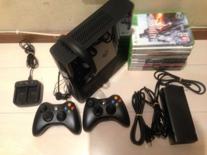 Microsoft Xbox 360 E 250GB with 2 controllers, headset