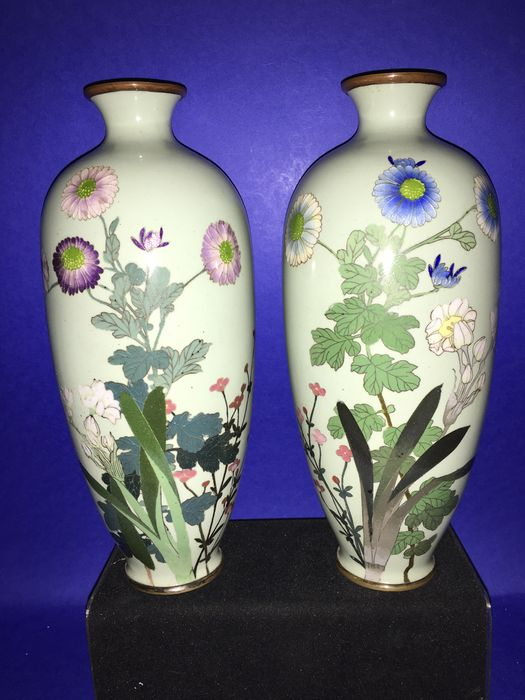 A pair of cloissonee vases, both marked: Hattori Tadasaburo – Japan – 1900-1910 (Meiji- period)