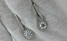 2.79 ct round diamond  earrings 14 kt white gold