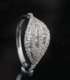 14kt gold diamond ring total approx. 0.50ct