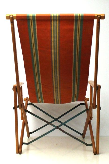 Vintage folding beach chair with arm rests and with striped canvas fabric - Vintage Folding Beach Chair With Arm Rests And With Striped Canvas