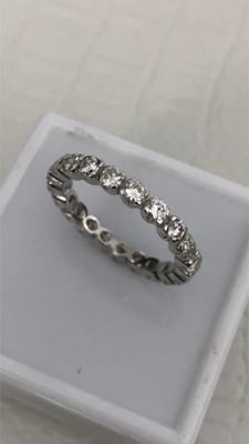 Wedding ring in gold with 21 diamonds