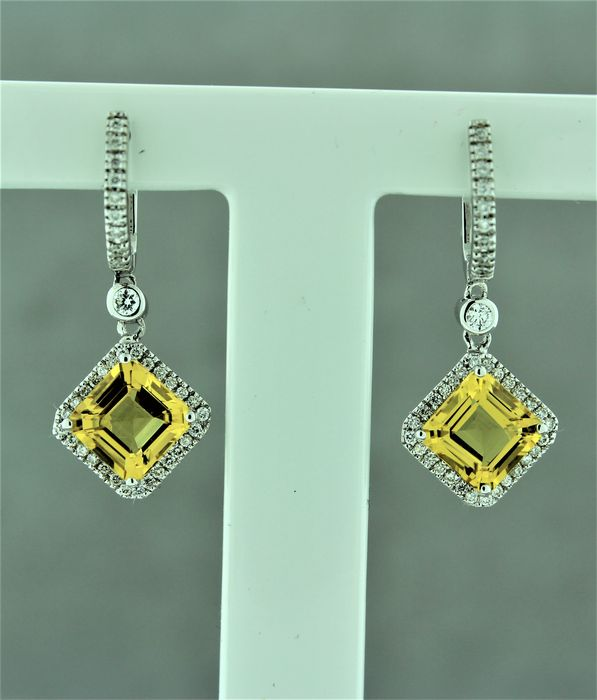 18kt Gold earring set with diamonds and yellow Beryl