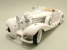 Maisto - Scale 1/18 - Mercedes 500K Maharadjah No. 6055 White