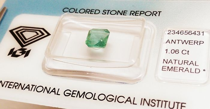 Emerald  - Green - 1.06 ct
