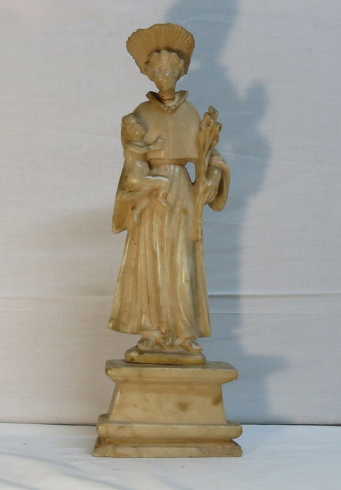 A figure of Saint Antonio, in alabaster, English manufacture of Nottingham, 15th century - Height: 36 cm – 14,17'