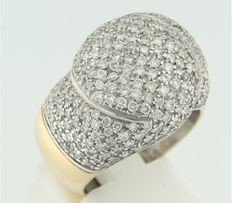 18 kt bi-colour gold ring set with 235 brilliant cut diamonds