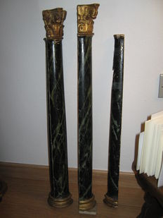 Pair of half-columns, around 1800