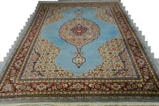 Gorgeous and exclusive palace Persian carpet, Tabriz Naruni, 353 x 255 cm, end of the 20th century