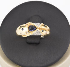 Yellow gold ring with brilliant-cut diamonds and sapphires. Ring size: 14 (Spanish sizing).