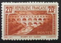 France 1930 - Pont du Gard 20f. light copper colour, linear perforation 11, signed Baudot with certificate - Yvert no. 262B
