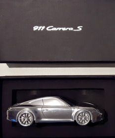 2011 Porsche 911 Carrera S model 991 solid aluminium paperweight, in box. - scale 1/43