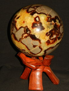 Large Septarian sphere, with yellow Calcite and Aragonite inclusions - 16 cm - 4825gm