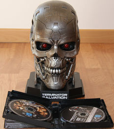 Terminator 4 Salvation - Special collectors edition Blu-ray DVD box set - head of T-600 to store the discs