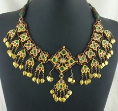 Old Pakistani necklace from the early 1900s - 24 kt gold and back made from 20 kt gold (tested with acid)