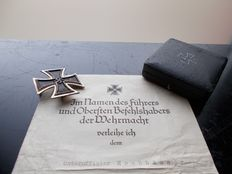 German EK 1st class with original pouch and certificate