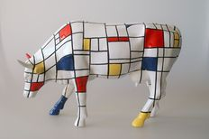 Jon Eastman for Cow Parade – Moondrian – LARGE AND RETIRED – with original packaging and tag - Museum Edition - a tribute to Piet Mondrian