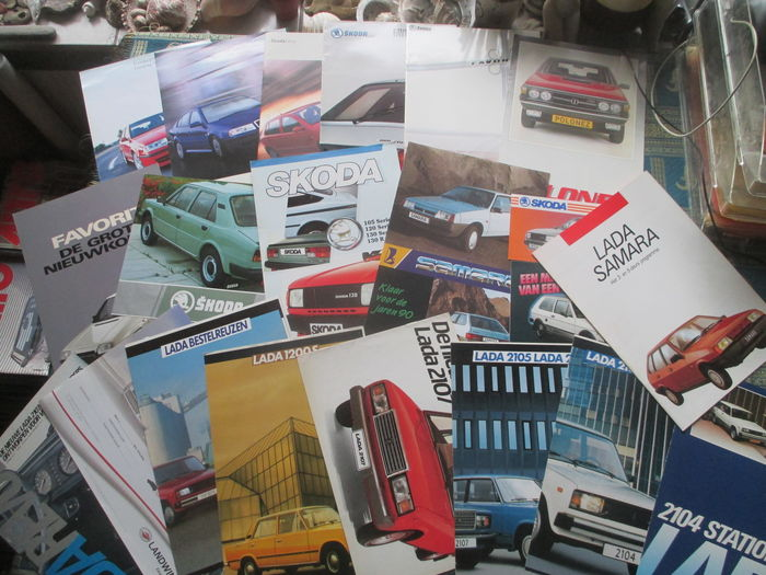 Car brochures (eastern European brands, mostly Lada/Skoda, 21x, 1983-2002)
