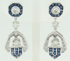 14 kt white gold dangle earrings in Art Deco style, set with sapphire and old Amsterdam cut and octagon cut diamonds, size is 3.5 x 1.4 cm