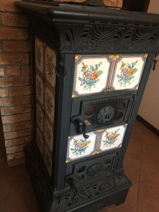 cast iron and majolica stove italy around 1925 catawiki. Black Bedroom Furniture Sets. Home Design Ideas