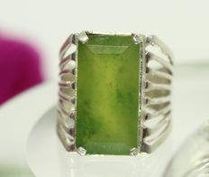Silver men's ring, set with natural nephrite jade 12 ct.
