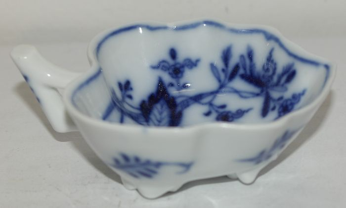"""Meissen """"Pickle dish"""" or """"Butter dish"""""""