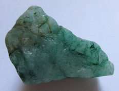 Crude emerald - 21 x 30 x 50 mm - 39,26 gr - 196,30 ct