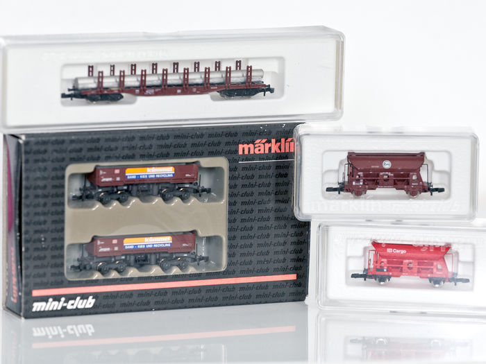 Märklin Z - 82433/8655/82373/82375 - 5 high-quality freight cars of the DB