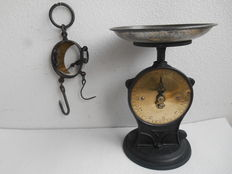Cast iron/brass scales and game balance - England - ca. 1920..