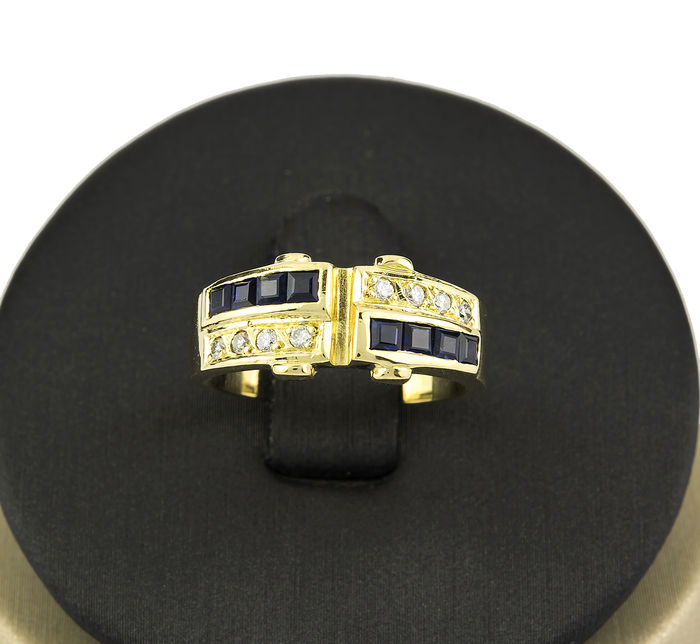 Yellow gold 18 kt/750 - Cocktail ring - Diamonds - Sapphires - Inner diameter 15.55 mm (approx)