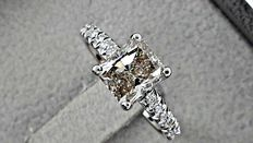 1.98 ct radiant diamond ring made of 14 kt white gold - size 7