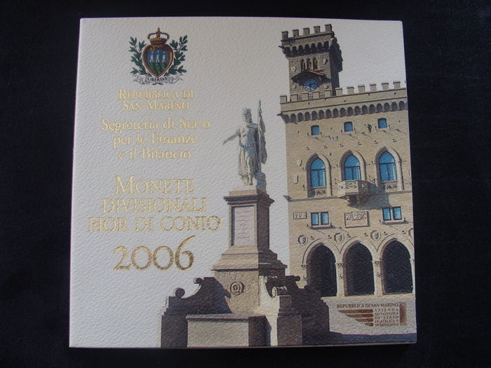 San Marino – Year pack 2006, including silver 5 Euro coin.