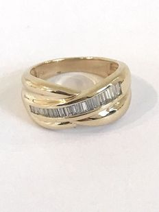 14 kt gold ring, set with baguette cut diamond, approx. 0.50 ct, ring size 17