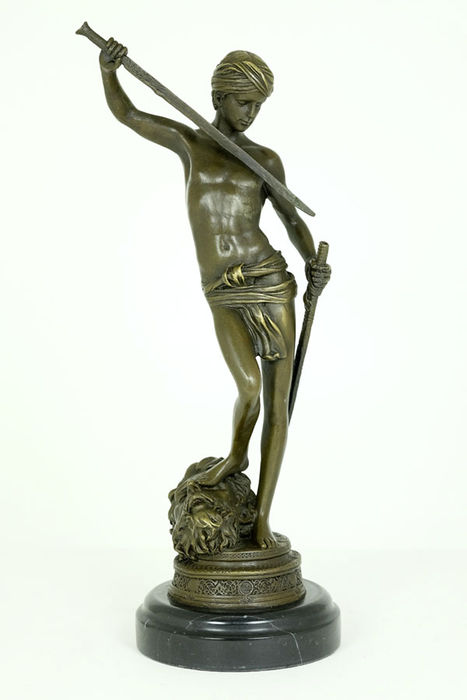 Bronze sculpture of the victory of David over Goliath - 21st century