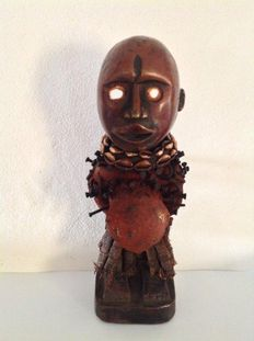 Beautiful wooden protection fetish from the YOMBE - D.R Congo