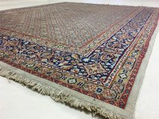 Persian carpet Moud with silk, 250 x 200 cm; no reserve price, bidding starts from €1.-