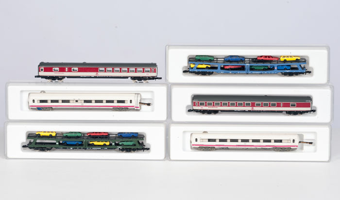 Märklin Z - 2 ICE middle carriages, 2 car transport carriages and 2 dining carriages