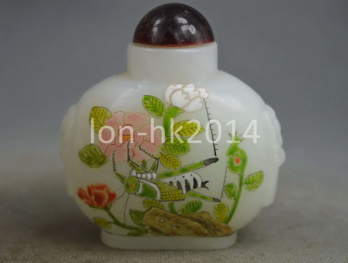 Insect & Flower Snuff Bottle Lucky Amulet - China - second half 20th century