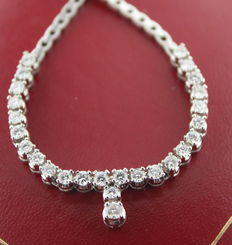White gold women's choker set with 1.705 ct of brilliants