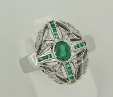 14k white gold ring with emerald and octagon cut diamond, ring size 17.25 (54)
