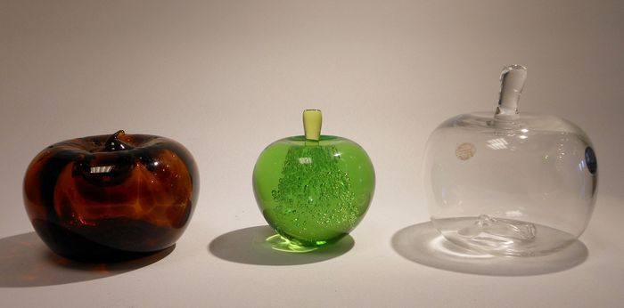Sybren Valkema/Siem van der Marel-3 glass apples