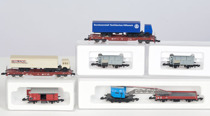 Märklin Z - 6 different freight wagons of the DB