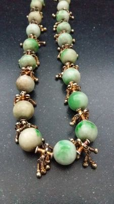 Necklace made of Chinese jade, China, first grade, 20th century