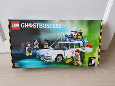 Ideas - 21108- Ghostbusters Ecto-1