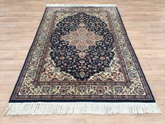 KIRMA - Oriental carpet - WOOL with certificate of authenticity - approx. 187 x 125cm - CONDITION: VERY GOOD!